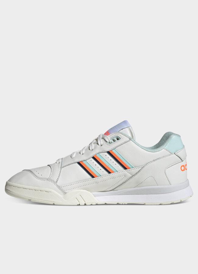 Adidas - A.R. Trainer